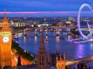 Du lịch Anh Quốc nên mua gì về làm quà hợp lý nhất?