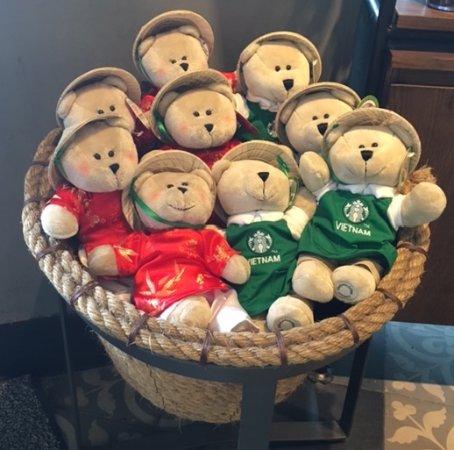 Starbucks bears – Chiến lược Mỹ, văn hóa Việt