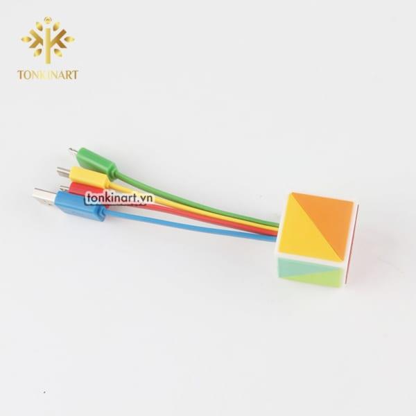 Sản Xuất Sạc USB Nhiều Cổng - Mẫu Ổ Vuông