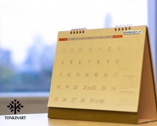 lịch để bàn, lịch chữ A
