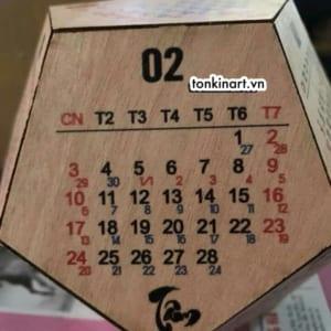 lịch gỗ, lịch để bàn. lịch để bàn 12 mặt