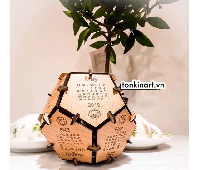 Quà tặng làm từ vật liệu bảo vệ môi trường, lịch đề bàn