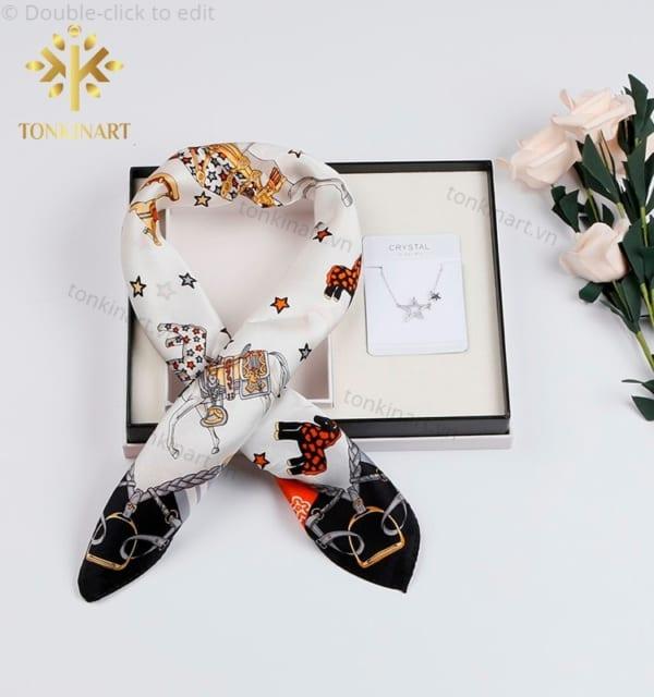 set khăn lụa dây chuyền, set quà tặng nữ, set khăn lụa, quà tặng cao cấp, quà tặng doanh nhân,